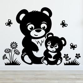 wallsticker af 2 bjørne med blomster, græs og sommerfugle omkring dem. Flot wallstickers til børneværelset