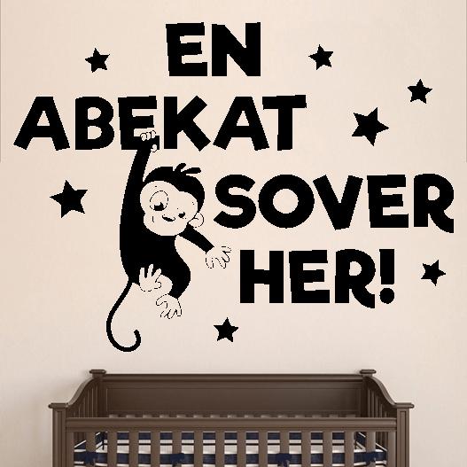 En abekat sover her Flot wallstickers til børneværelset