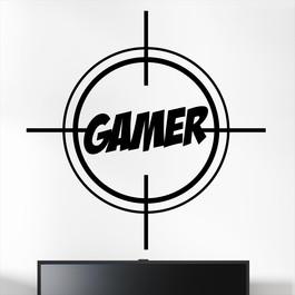 """Gamer wallsticker med et sigtekorn der peger på teksten """"Gamer"""". Sej wallstickers til børneværelset"""